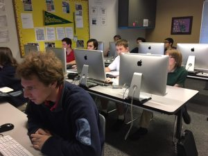 photo of students in computer lab